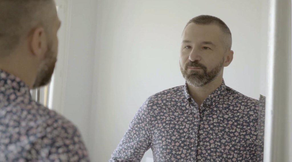 """13 réflexions au sujet de"""" Solitude gay: Et si on( re) donnait du sens au mot communauté( s)"""